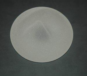 Implant mammaire : enveloppe hypertexturée